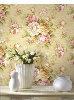 复古的欧式团花,经典的竖条纹以及渐变色彩的运用,无不彰显着《贝拉》图片