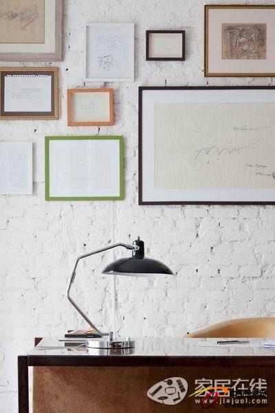 素色简朴装修 白色水泥墙裸露+拼花地板