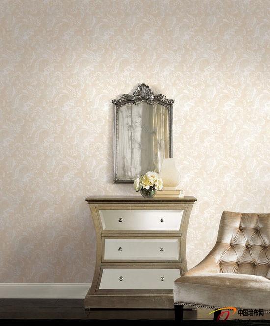 浅色调奢华欧式风格墙布装饰效果图